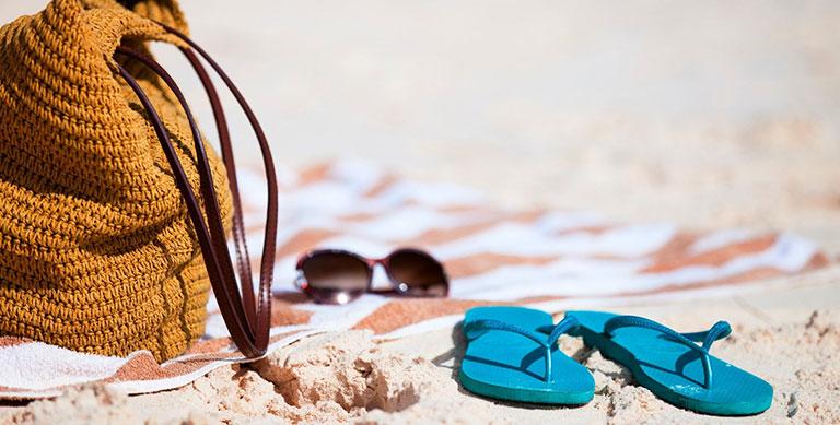 3ca422f1c Как выбрать и купить резиновую обувь для пляжа, кораллов или бассейна